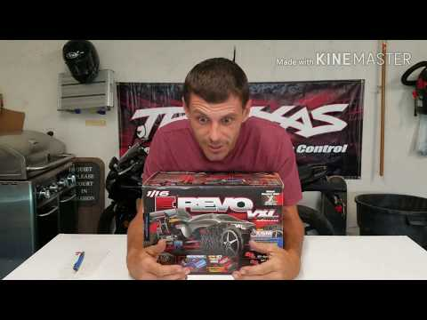Traxxas 1/16th  E- Revo vxl  unboxing and running video