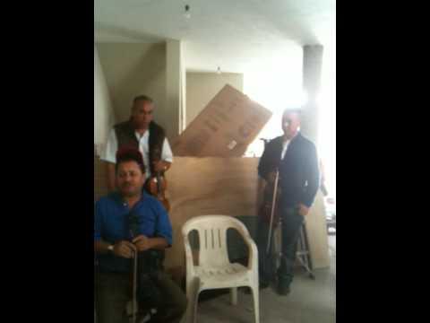 Presentacion del Mariachi Reyes del Aserradero sin Letra!!