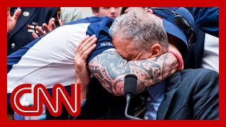 What 9/11 responder whispered to Jon Stewart before he choked up