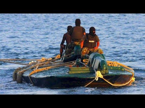 ЧЕРЕЗ ОКЕАН НА САМОДЕЛЬНОЙ ПОДВОДНОЙ ЛОДКЕ КОНТРАБАНДИСТОВ! Невероятная История Колумбийского Рыбака