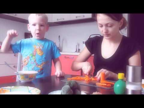Полезные рецепты для детей Funny Baby Help Cooking New Videos 2016