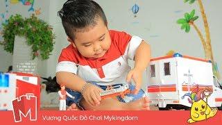 Bé Ku Tin Chơi Với Xe cứu thương Bruder | Toys For Kids
