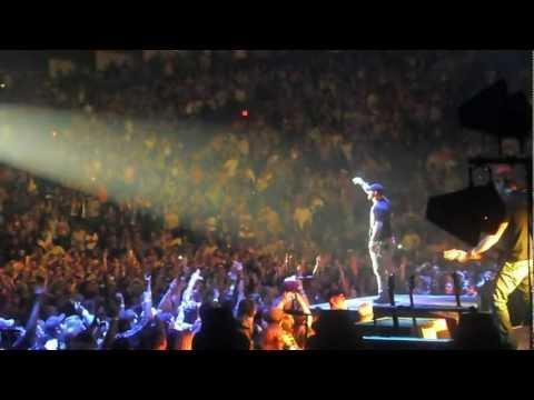 Brantley Gilbert - Kick It In The Sticks (live) video