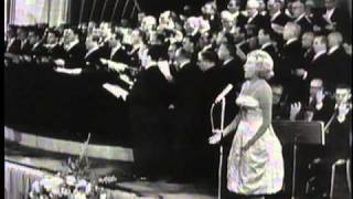 Watch Vera Lynn Land Of Hope And Glory video