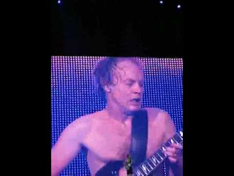 AC/DC Angus Young Amazing Live Solo, Boston, 2008