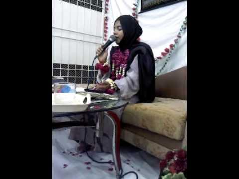 Urooj Habib Naat Khuwan 2014 (naat) Meri Janib Bhi Ho Ek Nighay Karem video