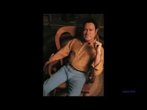 "Lefty Frizzell... ""That's the Way Love Goes""  1973 (with Lyrics)"