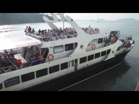 Thailand Travel #thailand #Life #Riverside #Wonderful #travelling #people #tourism #bankok #boat