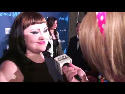 Damiana with Beth Ditto and Fortune Feimster at the 2013 GLAAD Awards