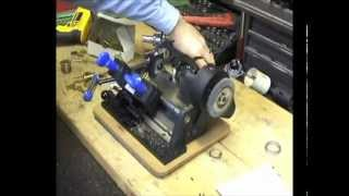 Cutting keys on the HPC Mini Speedex® Key Duplicator