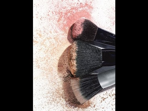 HOW TO:  CLEAN YOUR MAKEUP BRUSHES IN 60 SECONDS!!!!
