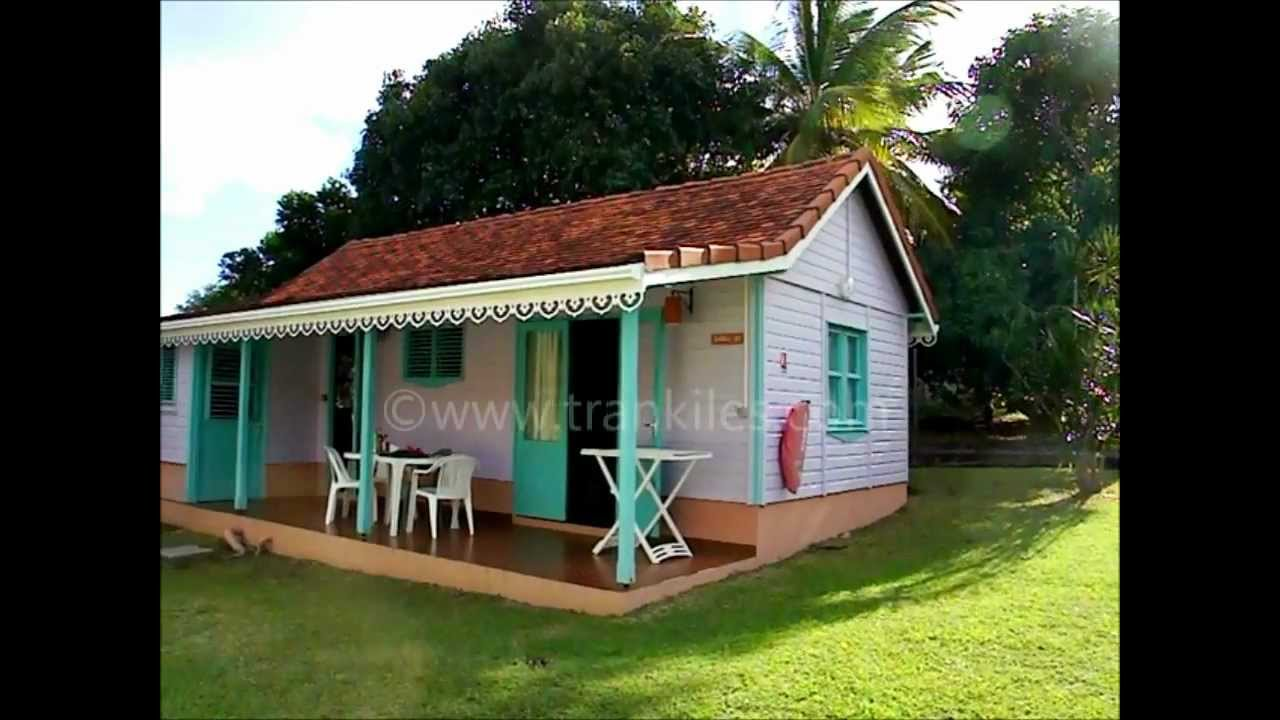 Hotel de l 39 anse bleue diamant youtube for Bungalow avec piscine martinique