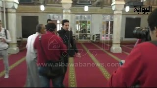 فيديو.. محمد أبو تريكة أول الحضور في جنازة الراحل حماد إمام