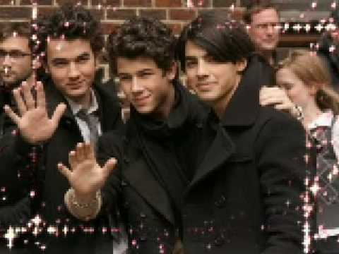 MORE JONAS BROTHERS!