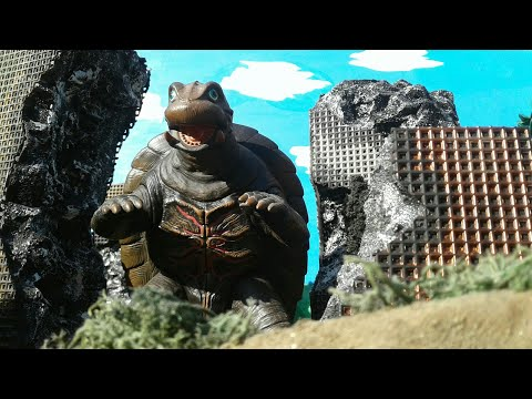 Gamera vs. Galberos stop motion battle