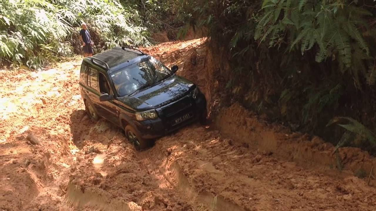 Range Rover Vs Land Rover >> Land Rover Freelander TD4 Off-Roading Trengganu Malaysia 2 - YouTube
