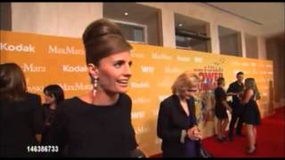 The 100 laughs of Stana Katic (Short)