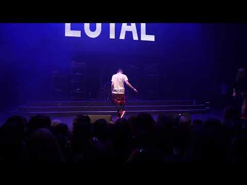 Brandon Pulido performs Loyal - Chris Brown (Live)
