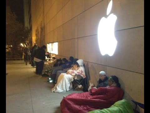APPLE iPHONE 6 and iPHONE 6 PLUS LAUNCH DAY: How Apple Generates Hype