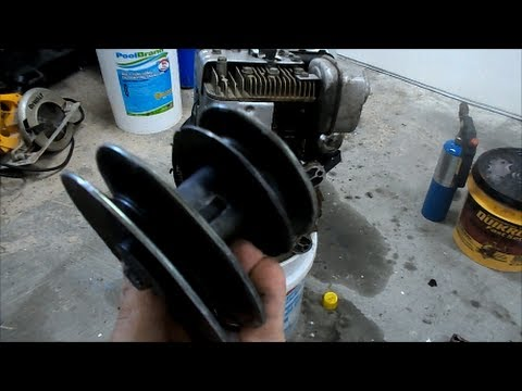 Pulley Removal Trick - Briggs and Statton Crankshaft 8hp