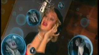 Клип Christina Aguilera - Car Wash