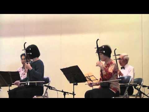 二胡の演奏と犀生中学の合唱