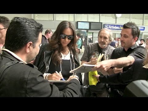 Exclusive - Brit singer Leona Lewis creates frenzy at Nice Airport