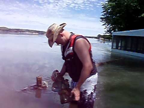 Gnome Hunting in Flooded Missouri 2011 - Verdel, NE - June 17, 2011.MOV