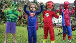 GINCANA NO PARQUINHO COM HERÓIS SUPERMAN HULK SPIDER E FLASH