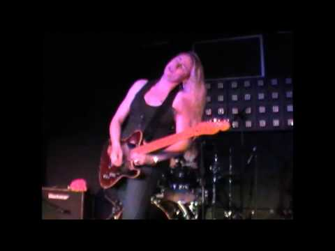 Joanne Shaw Taylor-Time Has Come/Watch 'Em Burn @ The Tunnels, Bristol. 29/5/2011 Music Videos