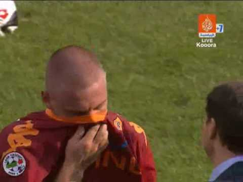 Daniele De Rossi at the end of Siena match