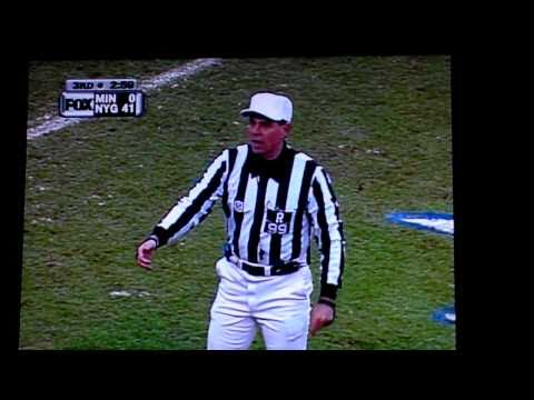 Minnesota's Troy Walters is ejected from the 2001 NFC Title Game between the Giants and Vikings by referee Tony Corrente I do not own the rights to this vide...