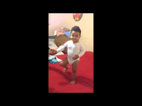 Baby malgache (le petit danseur du sud)