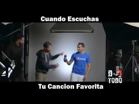 Carlos Tevez, Bailando Una Cerveza!!!