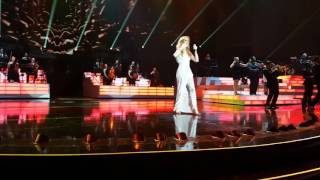 Celine Dion - Love Can Move Mountains / River Deep Mountain High - Dec 31st 2015