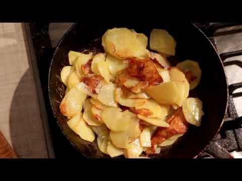 Как вкусно пожарить картошку на сковородке