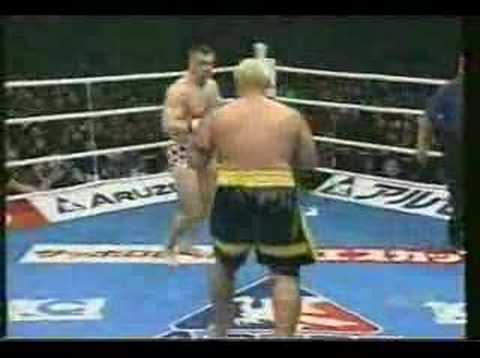 Cro Cop vs Mark Hunt