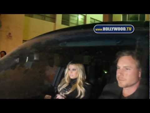 Jessica Simpson, Eric Johnson, Ashlee Simpson dine at Mastro's Steakhouse