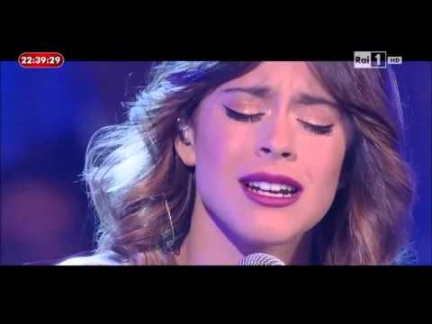"L'anno che verrà - Martina Stoessel "" Ser Mejor"" e "" Libre Soy"""