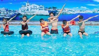 Kids Go to School Swimming Pool! Babies love Swimming underwater +More Kids Songs