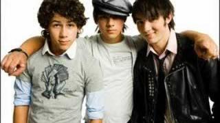Watch Jonas Brothers 705 video