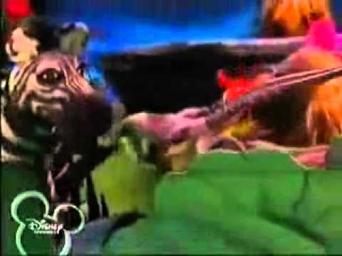 Muppets Tonight- The Lion Sleeps Tonight video