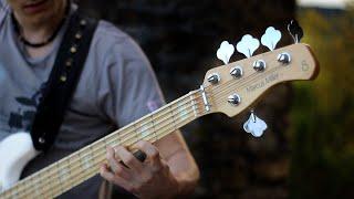 download lagu Greensleeves 5-string Solo Bass Arrangement gratis