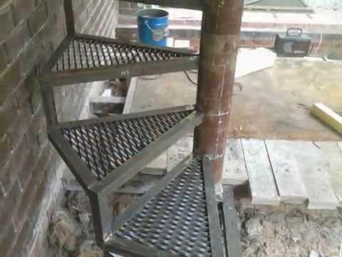 Лестница винтовая металлическая - изготовление