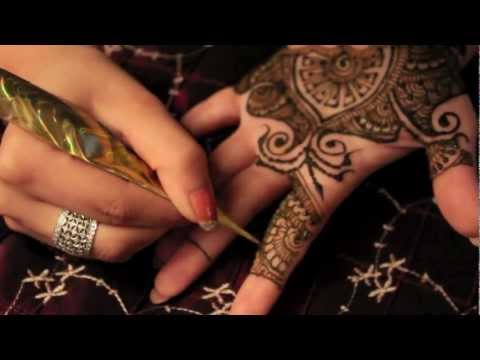 Mehndi Monday: Darpan design