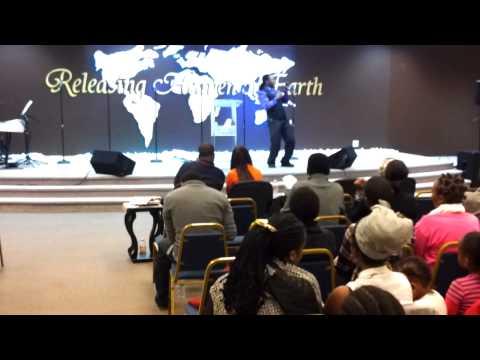 Ni Wewe  David Keen Ft Alemba. video