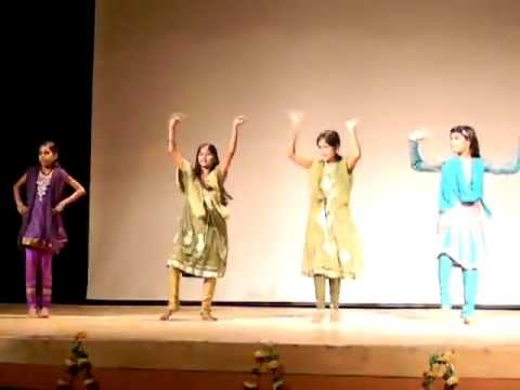 Dance Performiance On Radha Teri Chunari video