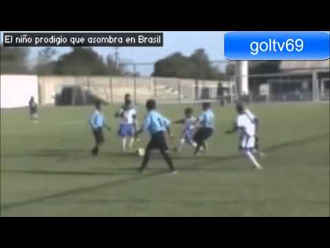 Cassiano Bouzon 11 years old Brasil talent | New Lionel Messi 2012