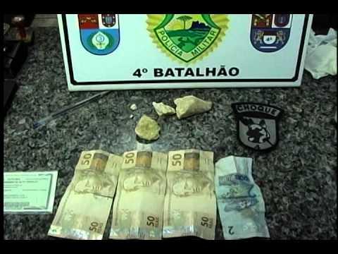 RAPAZ É PRESO COM 50 GRAMAS DE CRACK NA VILA MORANGUEIRA