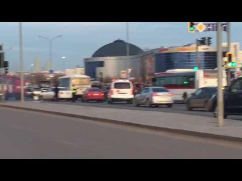Столкнулась машина скорой помощи c Toyota Camry